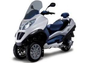 Piaggio roule «propre» avec ses trois roues..
