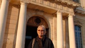 L'Université d'Avignon accueille l'artiste américaine Nancy HOLT, pionnière du «Land Art»…