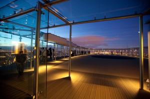 Paris : Montparnasse 56, lieu magique pour admirer les stars des Nuits des Etoiles 2014 : «les comètes» ainsi que pour le lancement d'une attraction unique au monde «TILT» sur «le site 360 Chicago»…