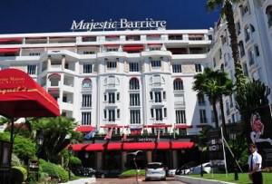 «Vilebrequin» et «l'Hôtel Majestic Barrière*****» à Cannes s'associent pour créer le maillot de l'été…