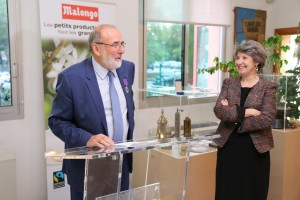 Carros : Jean-Pierre BLANC reçoit l'insigne de Chevalier de l'ordre des Palmes Académiques par la Rectrice de l'Académie de Nice Claire LOVISI…