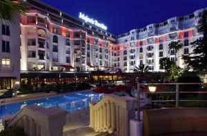 Les Hôtels Majestic Barrière et Gray d'Albion Barrière Cannes s'embellissent durant l'hiver…