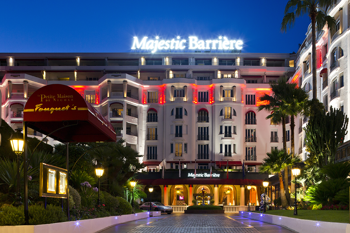L h tel majestic barri re cannes distingu par les prix for Prix hotel en france