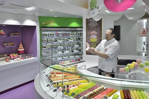 Paris : Ouverture de la «1ère boutique Macarons Gourmands» de Yannick Lefort …