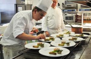 Maxime Blanc remporte le titre de lauréat 2015 du concours culinaire « Les Trophées France-Québec »…