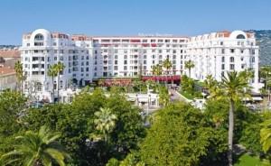 L'Hôtel Barrière Le Majestic Cannes dévoile sa toute nouvelle suite Présidentielle , inspirée du film Mélodie en Sous-Sol.
