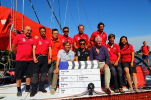 Le Skipper Chinois Guo Chuan et son équipage construisent avec succès le record du monde à la voile dans l'océan Arctique…