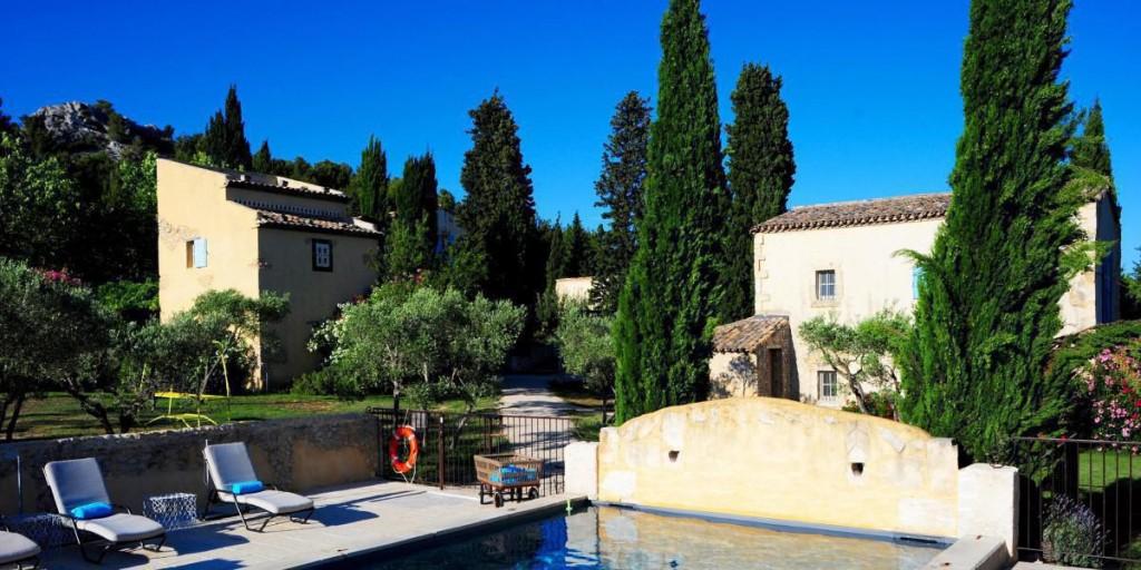 LE HAMEAU DES BAUX, UN CONCEPT-HOTEL EXCEPTIONNEL, REJOINT HOTELS & PREFERENCE…